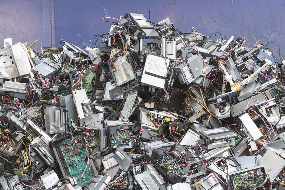 パソコン部品廃棄物の輸送